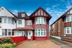 3 bedroom house in Westside, London, NW4 (3 bed) (#1059158)