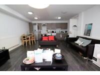 3 bedroom flat in Gloucester Drive, Finsbury Park, N4