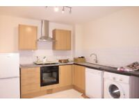 Beautiful 3 Bedroom House With Large Garden!!! In Raynes Park!!!!