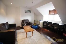 2 bedroom flat in Cricklewood Lane