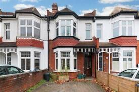 4 bedroom house in Queens Road, Wimbledon, SW19