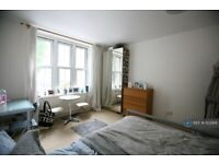 4 bedroom flat in Camelot House, London, NW1 (4 bed) (#1102818)