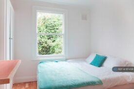 Studio flat in Mercia Grove, London, SE13 (#1153236)