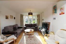 4 bedroom house in Cyprus Avenue, London, N3