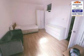 Studio to rent in bury park inc all bills £600 pcm