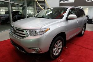 2013 Toyota Highlander V6 + 7 PLACES + BLUETOOTH + 4WD