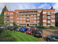 2 bedroom flat in Mulberry Close, Hendon NW4