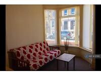 Studio flat in Brighton Avenue, Blackpool, FY4