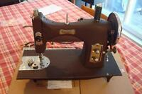Machine à coudre ancienne Domestic Rotary Vintage Sewing Machine