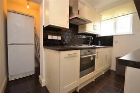 2 bedroom flat in Risborough Court, Muswell Hill, London, N10