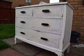 Chest of Drawers -shabby chic