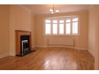TRULY SPACIOUS 3 BEDROOM HOUSE PERFECT FOR PROFESSIONAL SHARERS IN WORPLE WAY,WIMBLEDON!!!