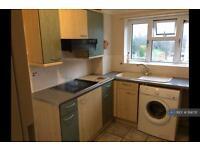 1 bedroom flat in Rockwood Avenue, Loughton, IG10 (1 bed)