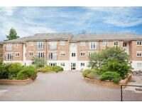 2 bedroom flat in Grandpont Place, Longford Close, Oxford