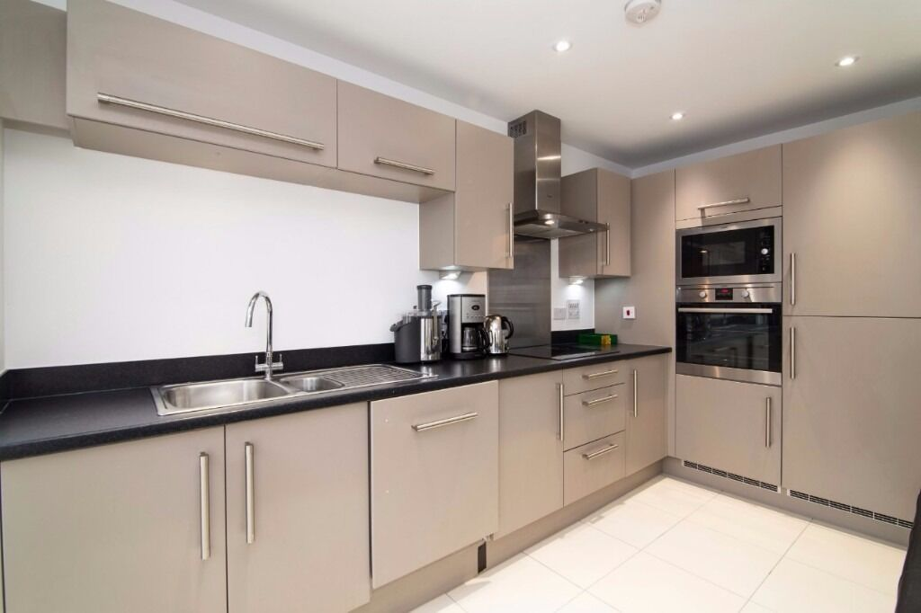 Brand New Two bedroom duplex flat in Limehouse, E1 4GJ, modern, furnished, patio, Available now