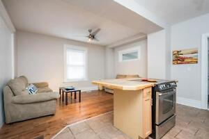 Great Downtown Location 5 Bedroom Student House London Ontario image 2