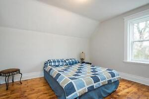 Great Downtown Location 5 Bedroom Student House London Ontario image 9