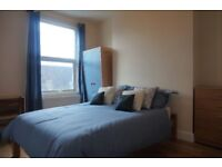 BEAUTIFULLY PRESENTED AND SPACIOUS DOUBLE BEDROOM CLOSE TO FINSBURY PARK TUBE