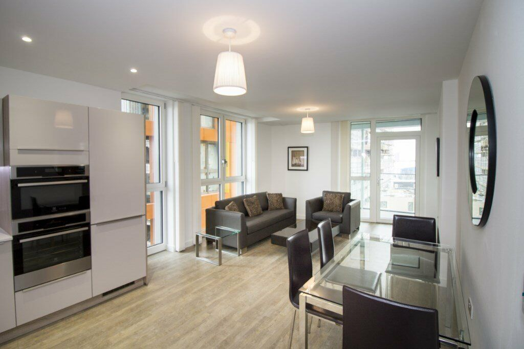 Luxury 2 bed 2 bath ENDERBY WHARF SE10 NORTH GREENWICH MAZE HILL WESTCOMBE PARK CANARY WHARF CUTTY