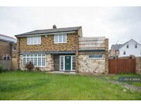 4 bedroom house in Laleham Road, Staines-Upon-Thames, TW18 (4 bed) (#391404)