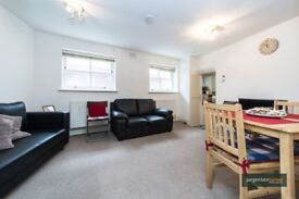 We are delighted to offer this good sized one bedroom conversion flat set on a lower ground floor