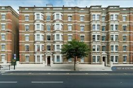 2 bedroom flat in Camden, London, NW1 (2 bed) (#1076746)