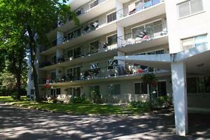 Bowling Green 1 - 217 Bath Road-Kingston Shopping Centre-1Bdrm