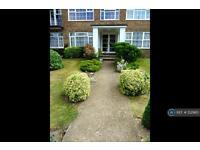 2 bedroom flat in Highridge Court, Epsom, KT18 (2 bed)