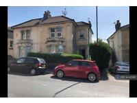6 bedroom flat in Cromwell Rd, Bristol, BS6 (6 bed)