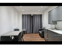 3 bedroom flat in Witham Road, London, W13 (3 bed) (#1118596)