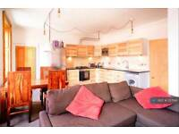 3 bedroom flat in Buccleuch Street, Edinburgh, EH8 (3 bed)