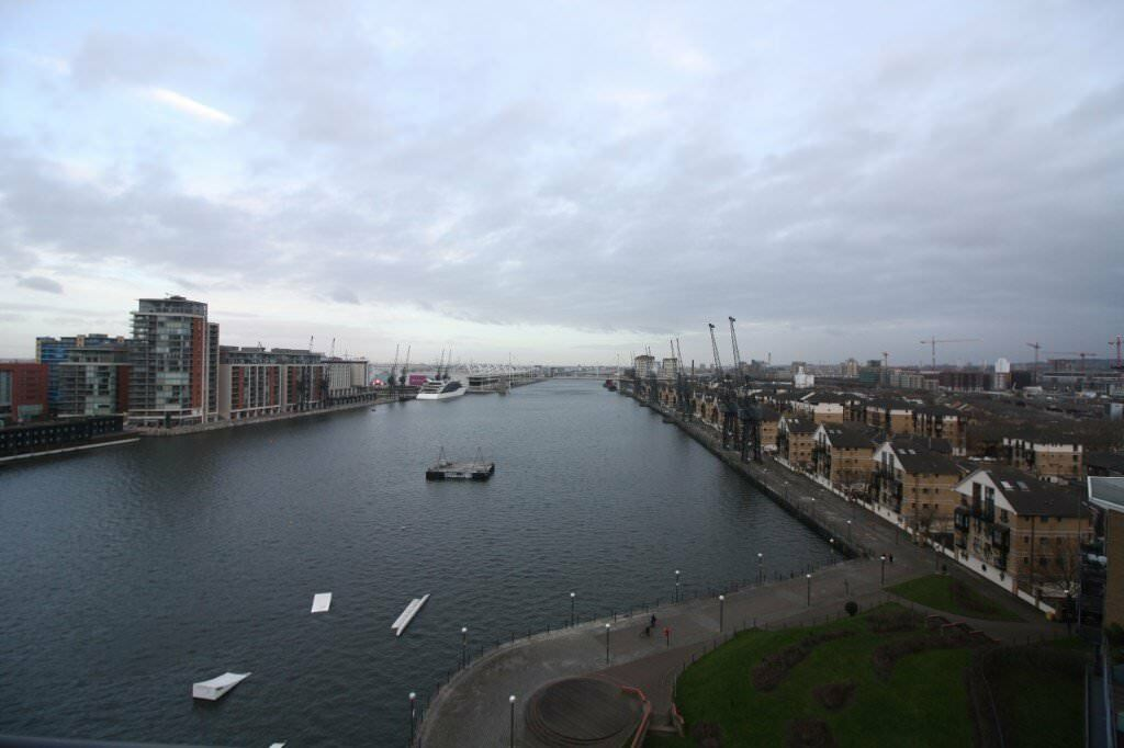 Vacant 2 Bed River View Western Beach Apartments E16 Royal Victoria Canning Town Excel Docklands