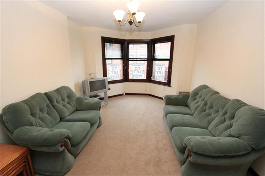 Cathcart ruel street three bed furnished in for Beds glasgow