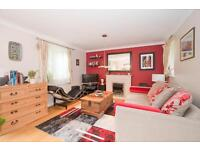 3 bedroom house in Hubble Close, Headington, Oxford