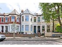 2 bedroom flat in Falkland Road, London, N8 (2 bed)