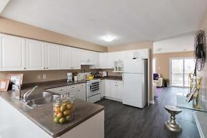 Amazing Renovated Four Bedroom Townhouse - Walk to UWO/Downtown