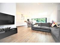 3 bedroom house in Sherrock Gardens, Hendon, NW4