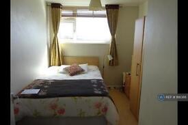 1 bedroom in Langham Gardens, Ealing, W13