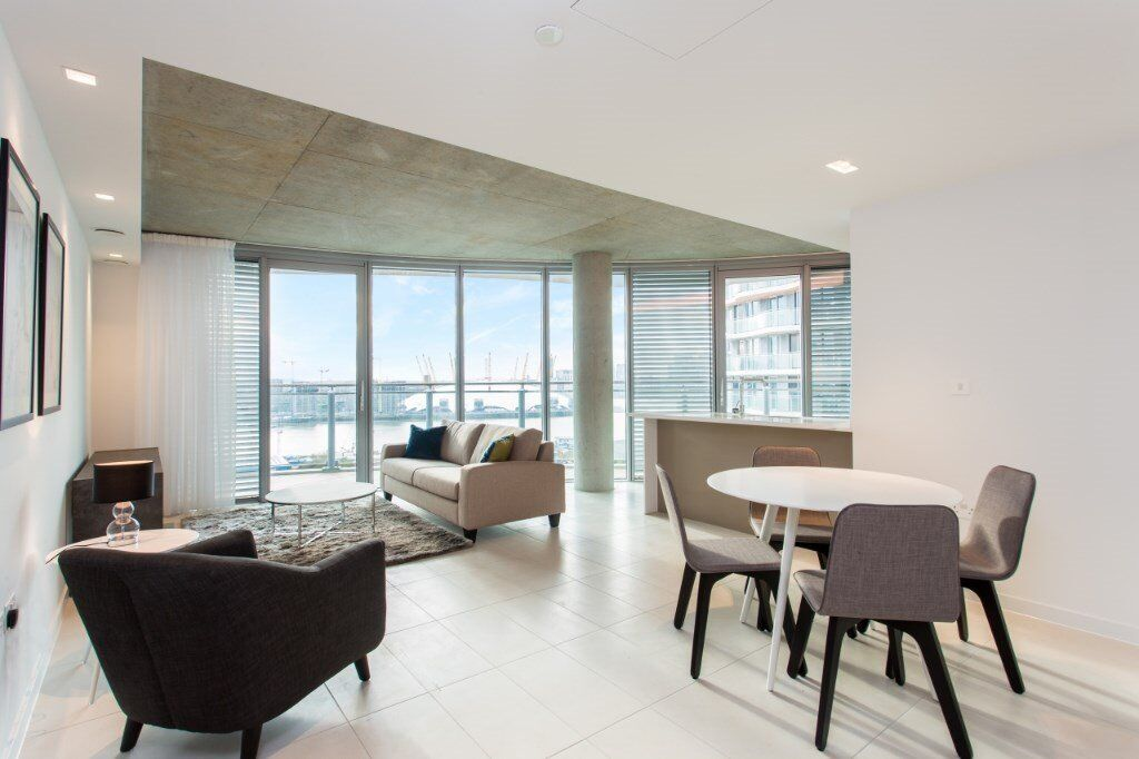 # Beautiful brand new 2 bed 2 bath available now in the Royal Docks - E16!!