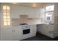 2 bedroom house in Castle Street, Barnsley, S70 (2 bed)