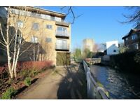 * Central location in Oxford * 2 bed, 2 bath * Balcony with stream views * Free Wi-Fi * TV *