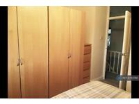 1 bedroom in Blenheim Chase, Leigh On Sea Essex, SS9