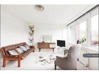 3 bedroom flat in Mursell Estate, London, SW8 (3 bed)