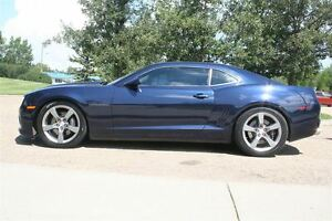 2011 Chevrolet Camaro 2SS, COUPE, SUNROOF, LEATHER, BACK UP CAME