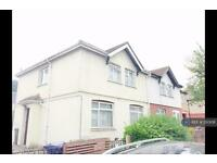 2 bedroom flat in Brent Road, Southall, UB2 (2 bed)