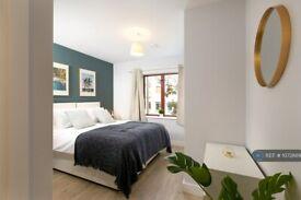 1 bedroom flat in Wesley Gate, Reading, RG1 (1 bed) (#1072889)