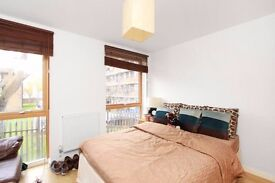 **Lovely modern 1 bed open plan apartment a short walk from the desireable Clapham old town**