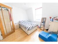 1 bedroom flat in Roman Road, London, E3 (1 bed)