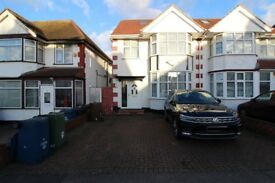 6 BEDROOM – SEMI DETACHED HOUSE TO RENT