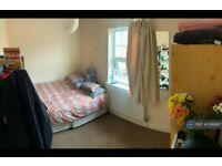 5 bedroom house in Brighton Road, Reading, RG6 (5 bed) (#1089917)